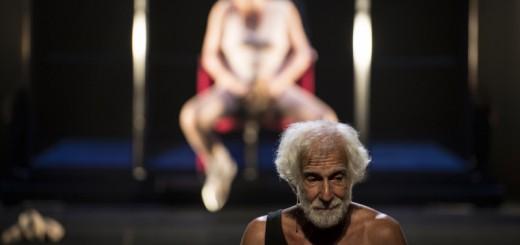 Le-Baccanti-regia-Andrea-De-Rosa-foto-Marco-Ghidelli-7-800x533